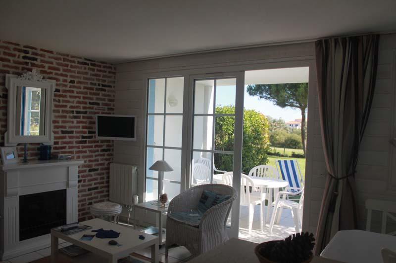 salon-appartement-bourgenay-talmont-saint-hilaire